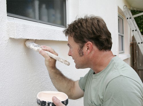 Commercial-Painter-Painting-Wall